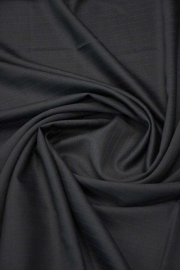 Шерсть черная в коричневую полоску 2