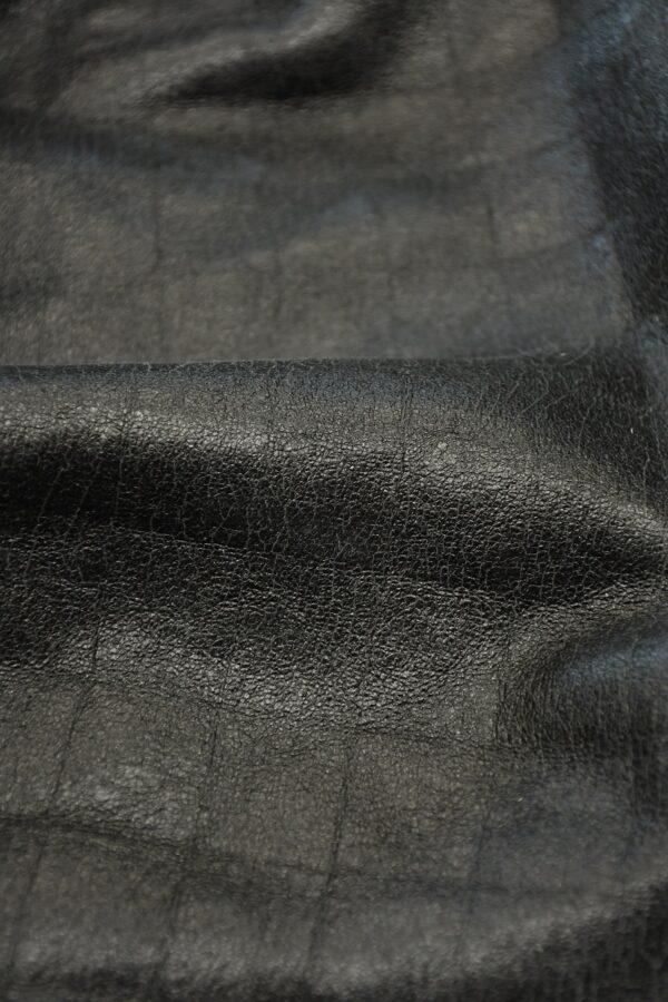 Дубленка черная с эффектом кракелюра и стриженым мехом 4