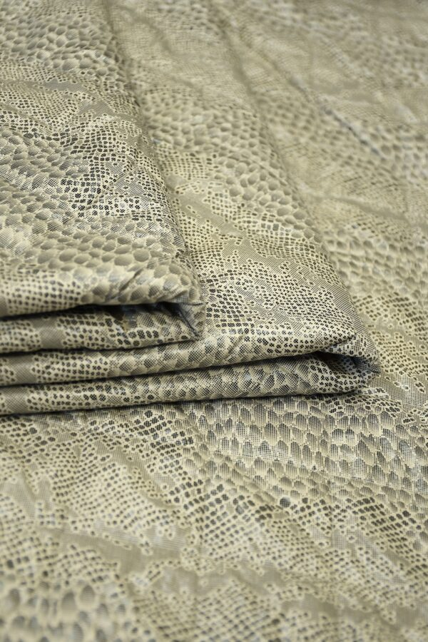 Дубленка серо-бежевый крокодил 4