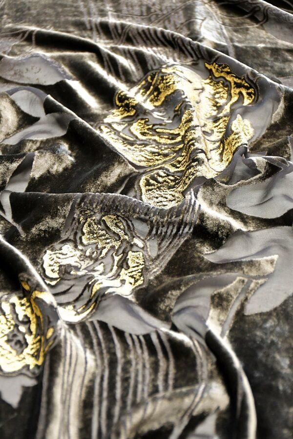 Панбархат графитно-коричневый с золотыми розами (10597) - Фото 11