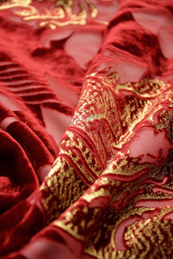 Панбархат золотые розы на красном (10598) - Фото 8