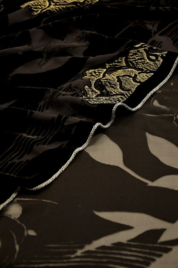 Панбархат черный с золотыми цветами