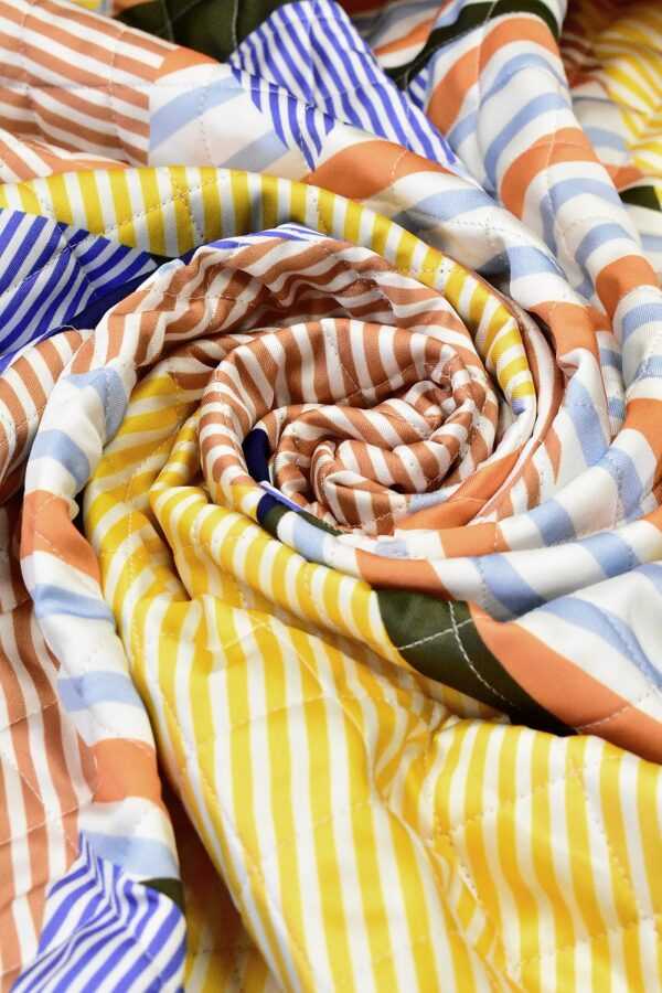 Курточная на шерстепоне стежка разноцветная полоска